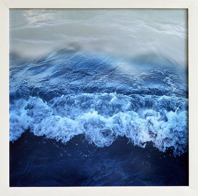 Zsófia Pályi |  Balaton, The Hungarian sea.3 |  32,5x32,5 . . . #thebrodycollection #instapicture #pictureoftheday #artoftheday #artistoftheday #risograph #risographprint #risography #limitededitionprints #hungarianphotography #ZsofiPalyi #Balaton #magyarorszag #magyartenger #balcsi #waves #fish #riso #art #budapestart #balatonart #dailyart #brodyartyard