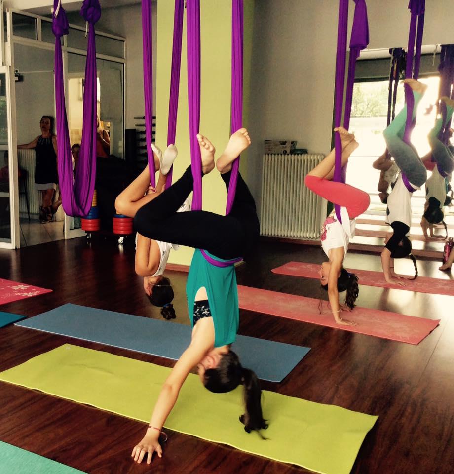 teen-aerial-yoga