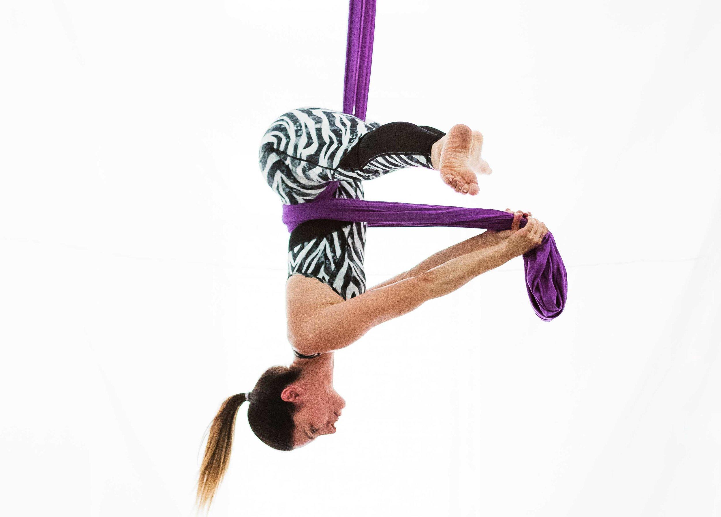 Aerial Dance - Aerial Dance Poses - Katerina ThymiJune 2019