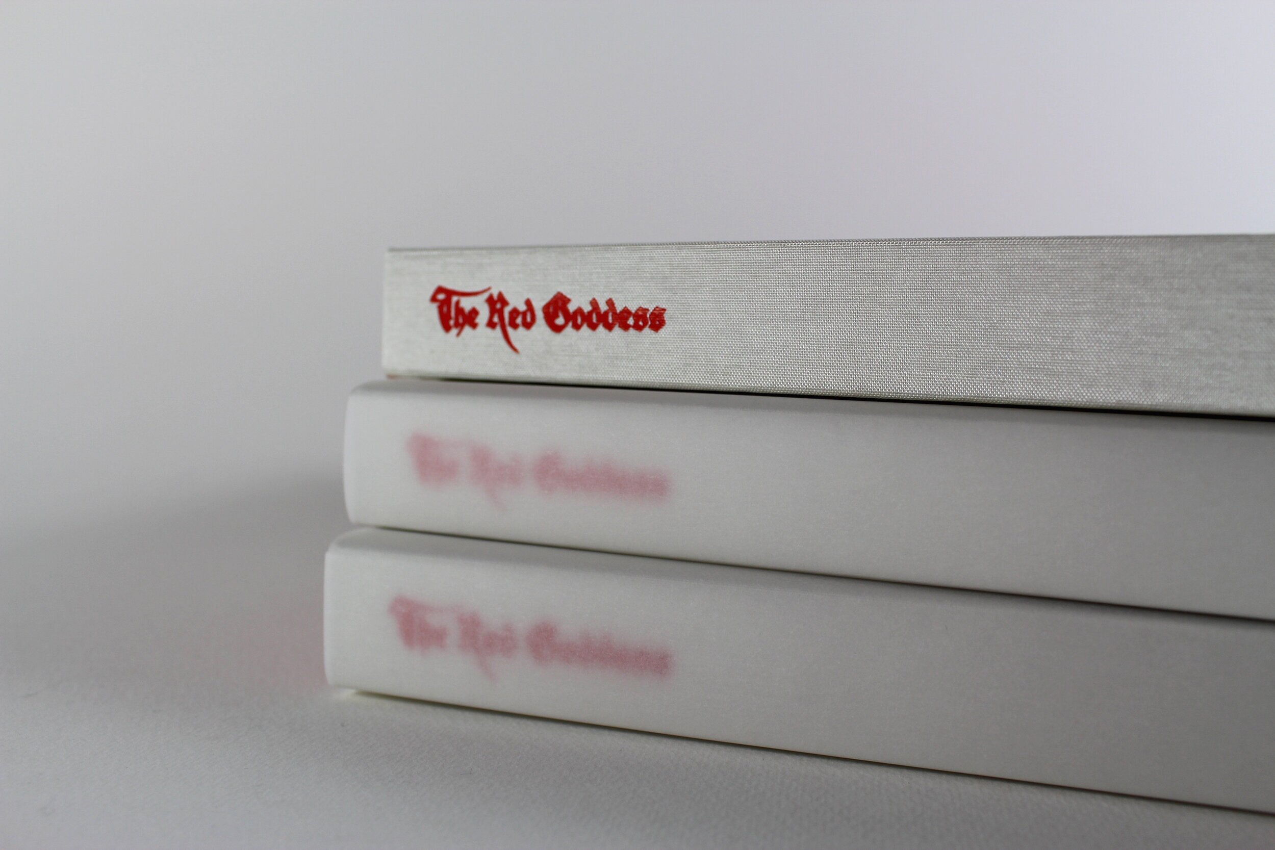 The standard hardback 'pearl' edition, bound in iridescent ivory cloth
