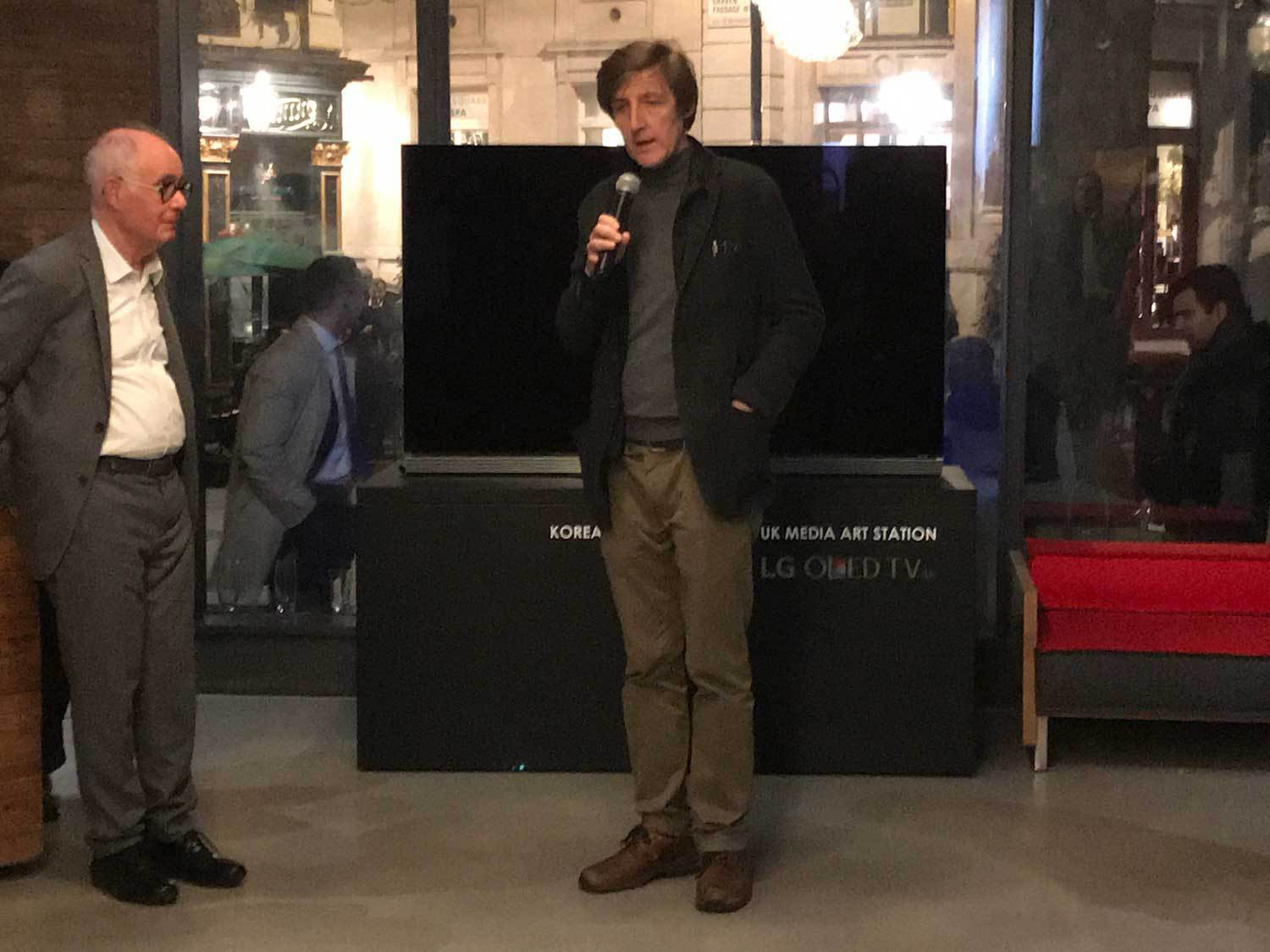 Paul O'Kane talks at the launch of Lee Yil's selected writings at the KCC, 23 March 2018. Jean-Marc Poinsot, series editor, looks on.