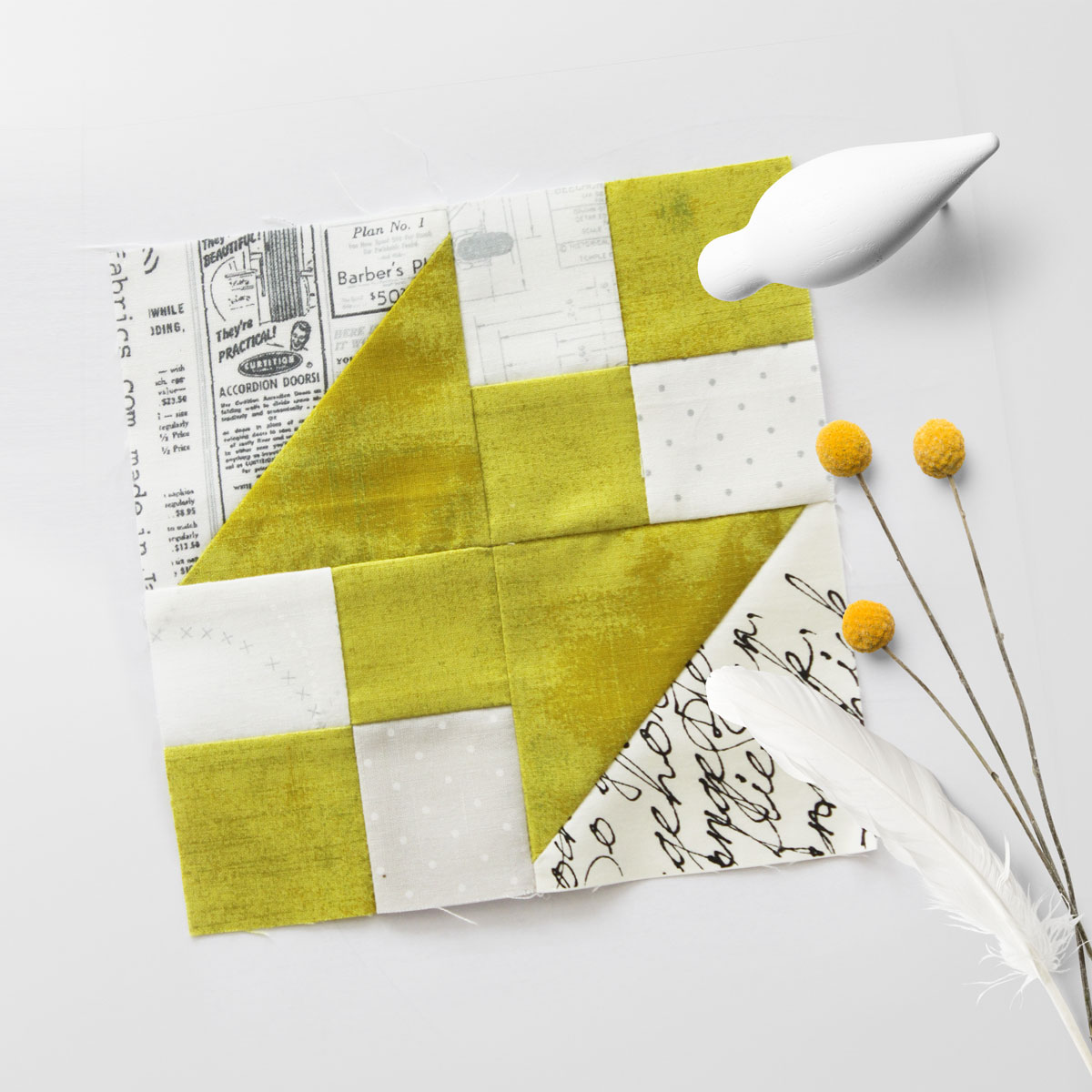 Free quilt along Blockheads 2018, Block 15: Corner Pocket Fabrics used in the block are from Moda, Basic Grey GRUNGE and Zen Chic PAPER