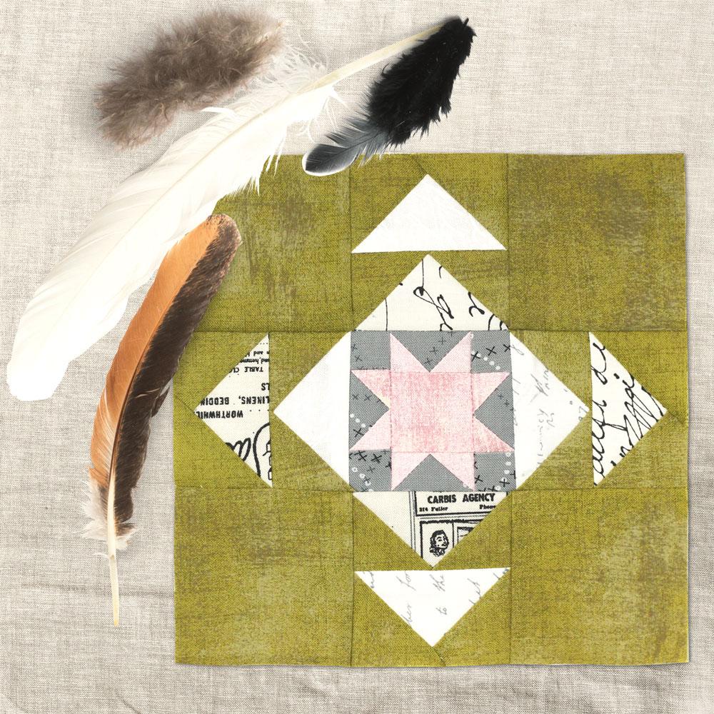 Free quilt along Blockheads 2018, Block 25: Oshkosh Star Fabrics used in the block are from Moda, Basic Grey GRUNGE and Zen Chic PAPER