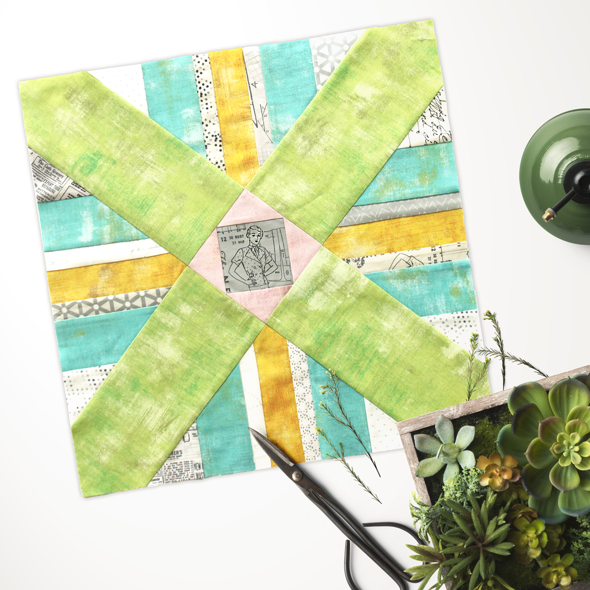 Free quilt along Blockheads 2018, Block 30: Gaudi Fabrics used in the block are from Moda, Basic Grey GRUNGE and Zen Chic PAPER