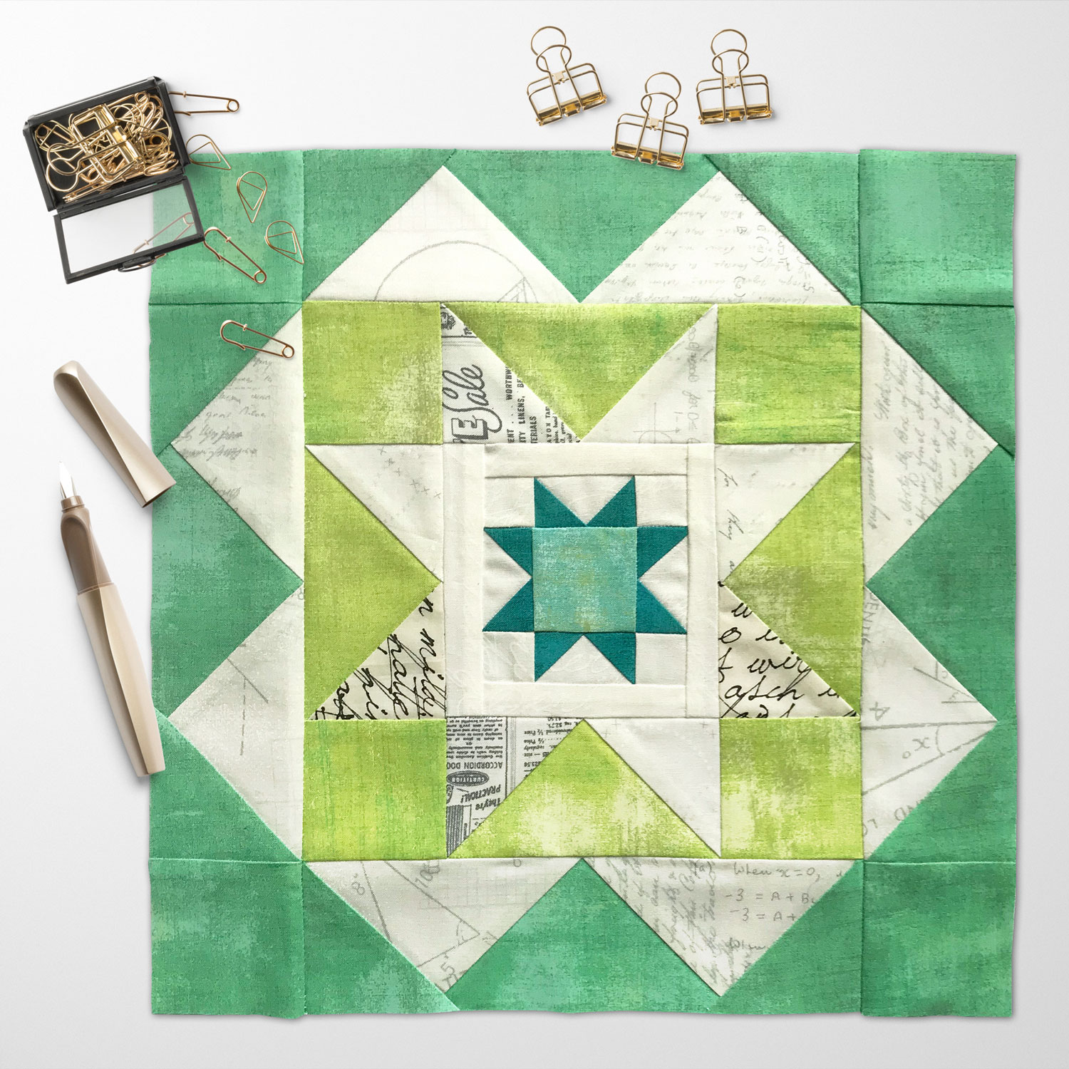 Free quilt along Blockheads 2018, Block 38: Anchor Point Fabrics used in the block are from Moda, Basic Grey GRUNGE and Zen Chic PAPER