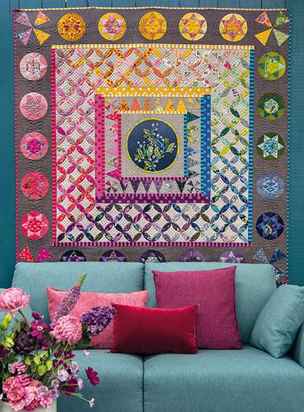 Tula-Medallion-Mieke-Duyck-quilt-patchwork-magazine-simply-moderne-17-summer-2019-443x600.jpg