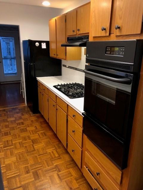 34 - Kitchen2.jpg
