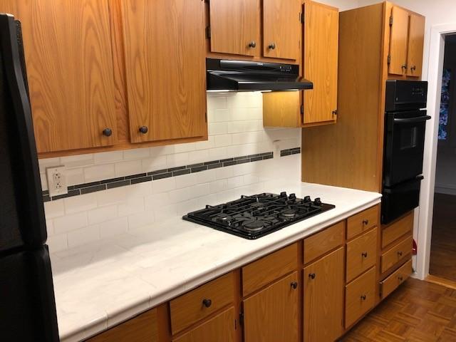 35 - Kitchen3.jpg