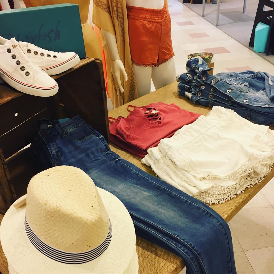 Spring Fashion table.JPG