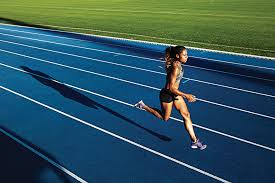 - Train like a NCAA I Division I Long Sprinter / Middle Distance Runner, When training middle distance runners, I think it is imperative to have three different 800m groups. We had 400m/800m, 800m, and 800m-/500m groups. Obviously, there was some overlap and they trained together when possible. However, I found that several approaches were required to get the most out of your 800m runners.Monday - 4 x (500m – rest 1' – 500m) 3' restTuesday - 45 minutes easyWednesday - 8 x 250mHills with slow jog downThursday - 40 minutes easyFriday - 3 mile AT: men - 6:00, 5:55, 5:45, women 6:50, 6:40, 6:30Saturday - 50 minutes easySunday - off