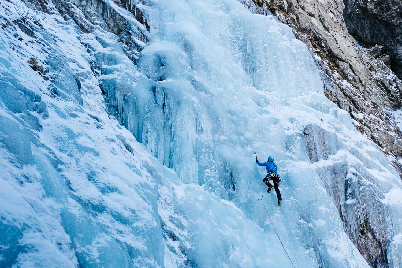Simone Enei - Ice climbing 2