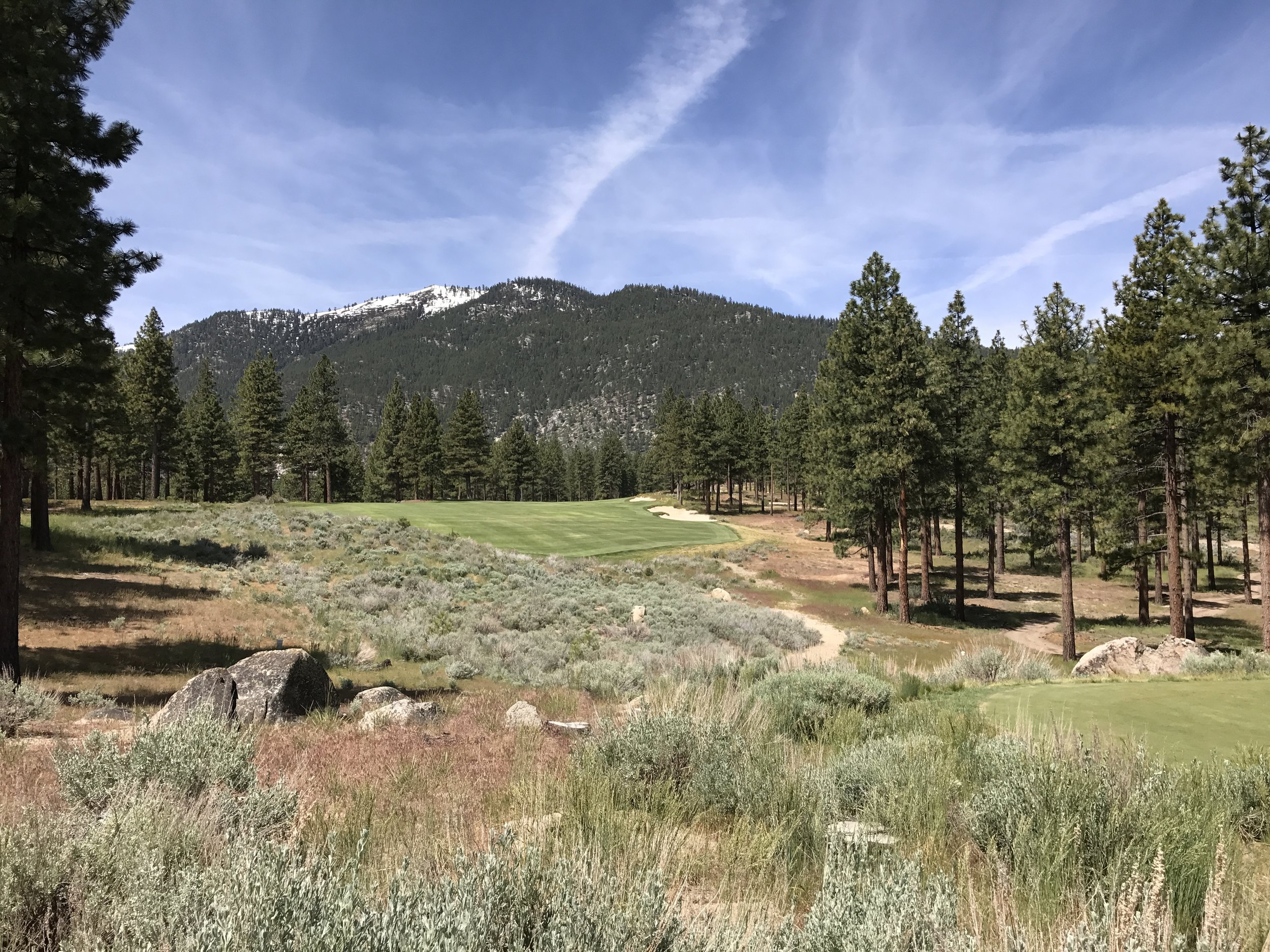 Beautiful snow-capped sierra views on almost every hole
