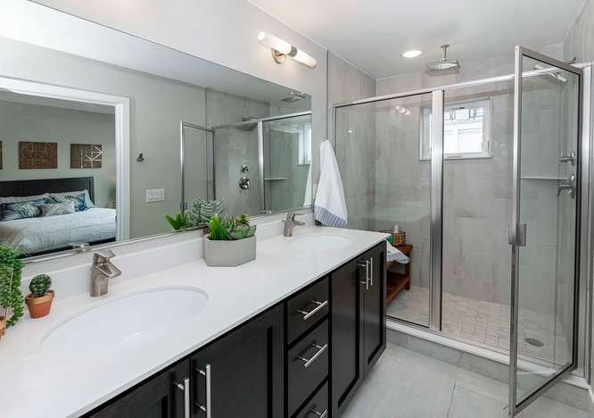 1615 N Harlan Street 2-small-043-57-Bathroom-666x468-72dpi.jpg