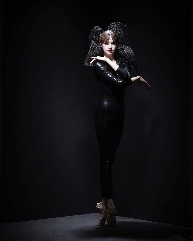 #mood 🖤#ballet #ballerina #sophiabovet #pointe #pointeshoes #picoftheday #lifeoftheballerina
