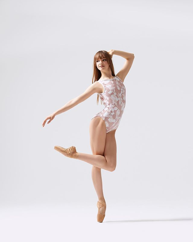 having a great time @southlandballetacademy international si🌸💗 #ballet #pointe #ballerina #dancer #sophiabovet #lifeoftheballerina #picoftheday #pointeshoes #elevedancewear #rachelnevillephotography 📸: @rachelnevillephoto