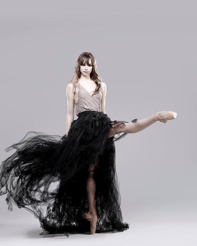 the way you speak to yourself matters. #ballet #ballerina #dancer #ballerinasofig #picoftheday #sophiabovet #lifeoftheballerina #dreambig #workhard #bekind #rachelnevillephotography