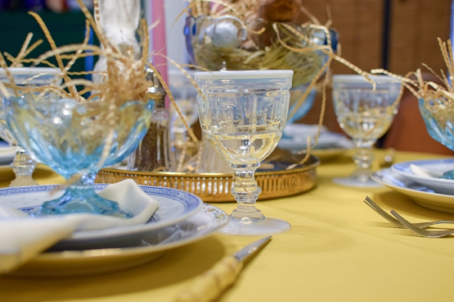 vintage Easter table
