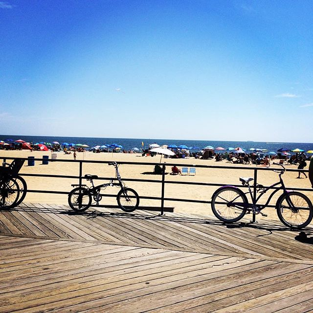 What a beautiful Saturday in #AsburyPark, Golf and Splash Park are open come on down! #nj #jerseyshore #boardwalk #summerdays #weekend #local #beachday #saturday #sun