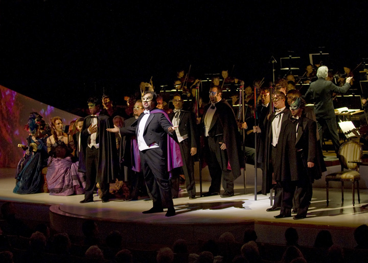 La Traviata - Pacific Symphony Photo by Nicholas Koon