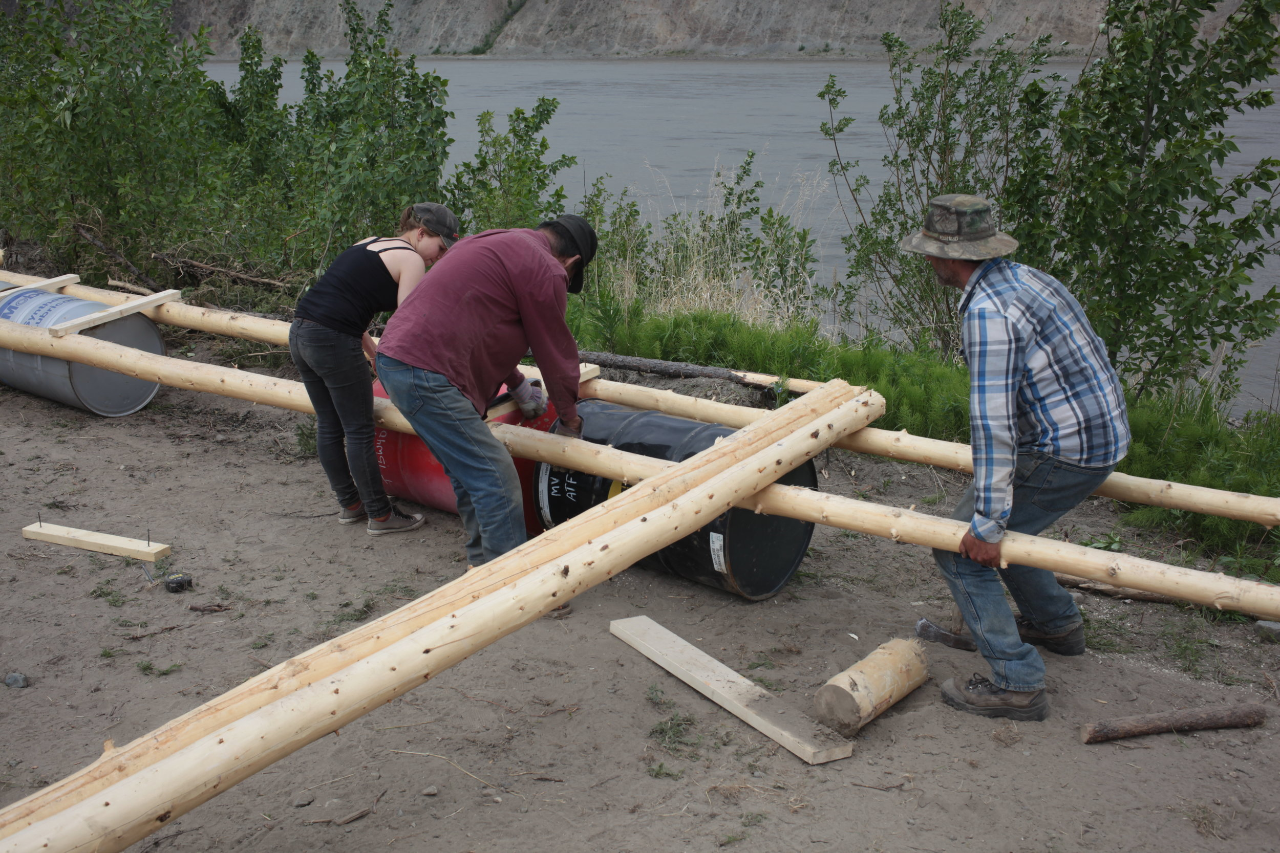 Eagle Fish Wheel Project - Youth and Local Culture Experts assemble floater base.