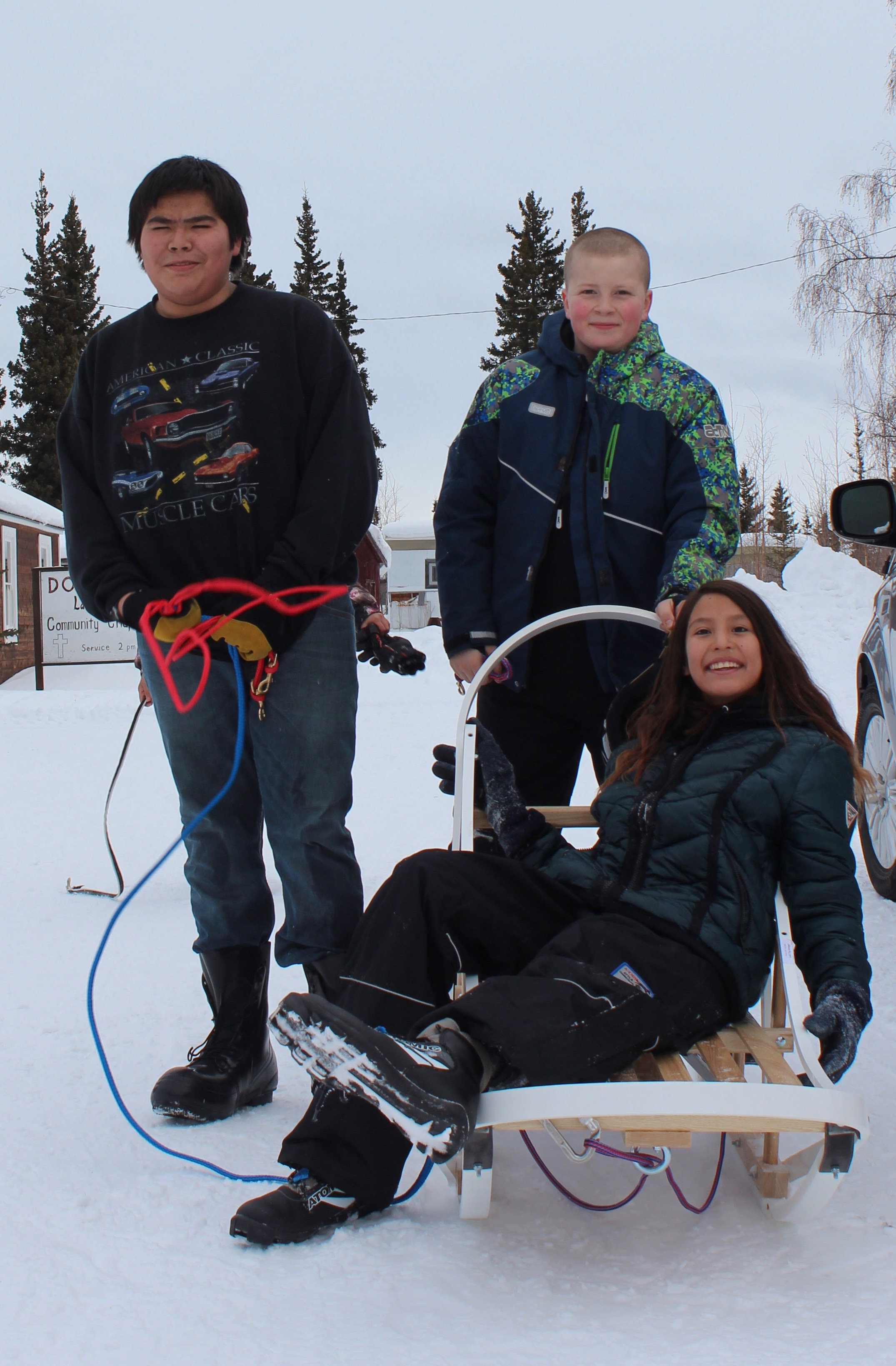 Students with dog handler from Tanacross.