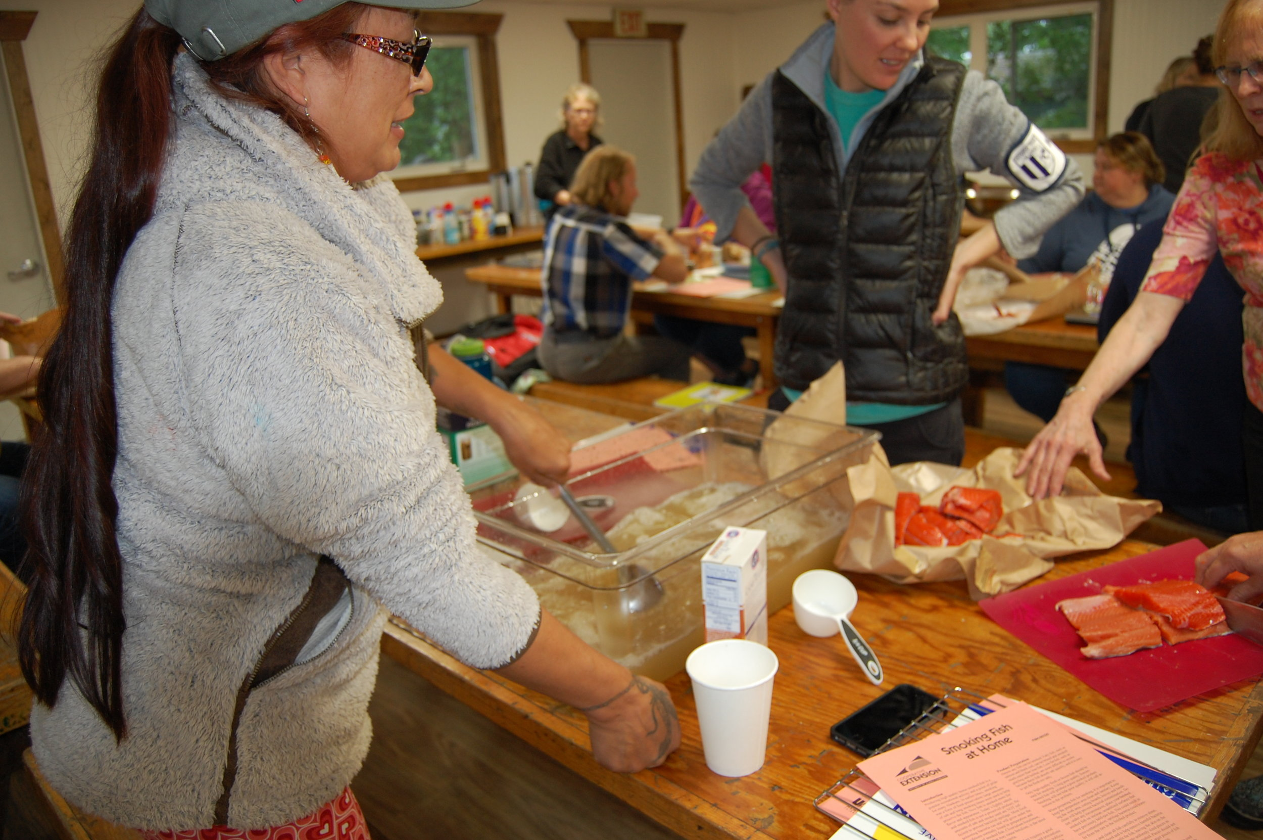 Preparing salmon for smoking