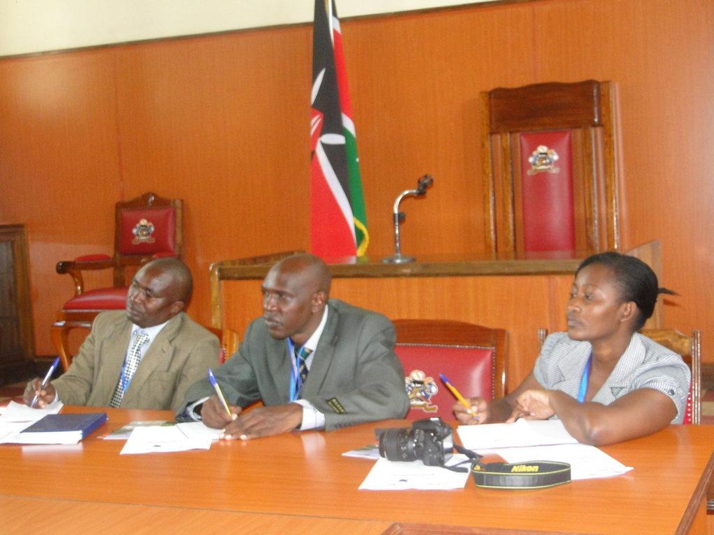 L-R: Mathew Mwange, Lucas Mainge and Cynthia Wacuka of the Machakos County Assembly