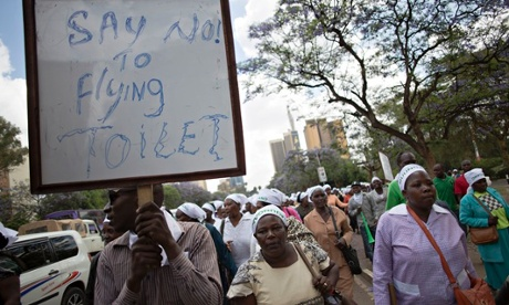 Women from the Mukuru slum take their protests to the health ministry in Nairobi.Photograph: Karel Prinsloo/Guardian
