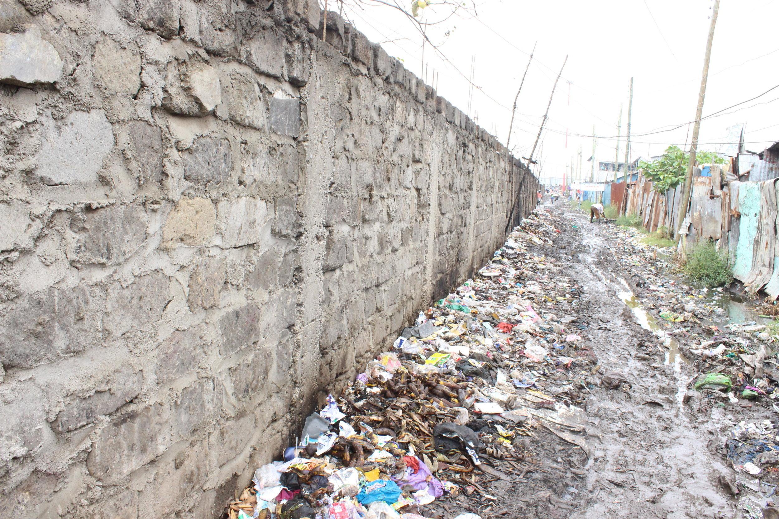 A road in Mukuru, Nairobi. Photo: Muungano KYCTV (Anami Ture)