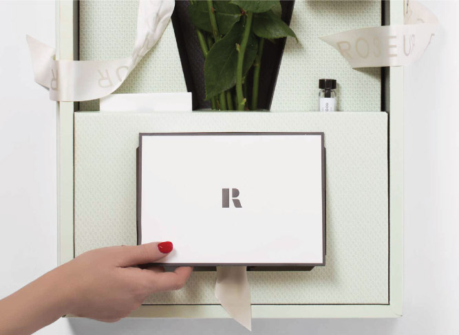 Roseur Gift Box With Envelope and logo