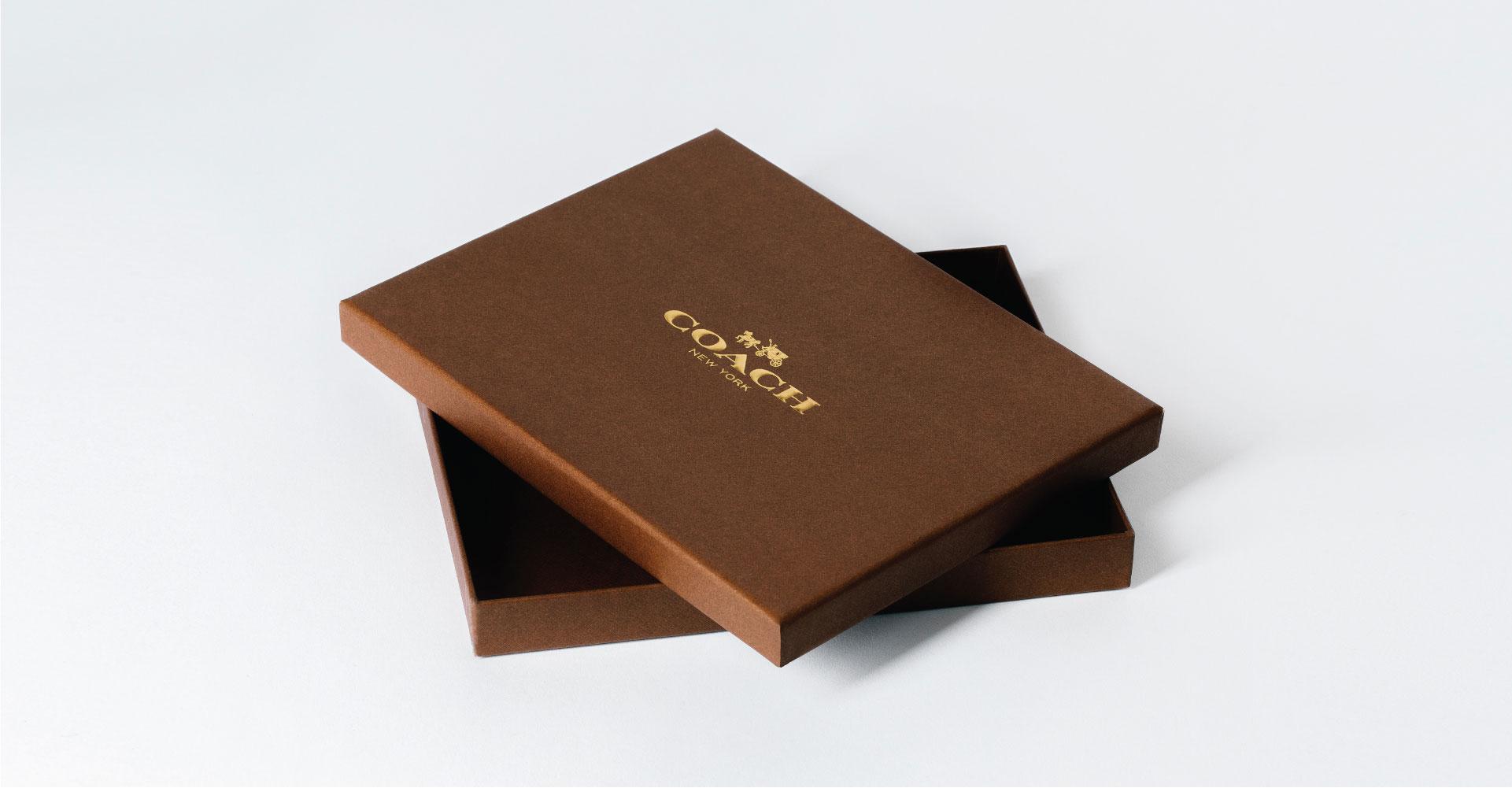Creative_Retail_Packaging_Package_Design_Luxury_Coach_08.jpg