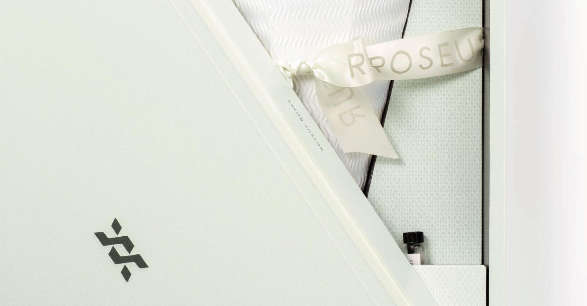 Creative_Retail_Packaging_Custom_Luxury_Packaging_Design_Roseur-08.jpg