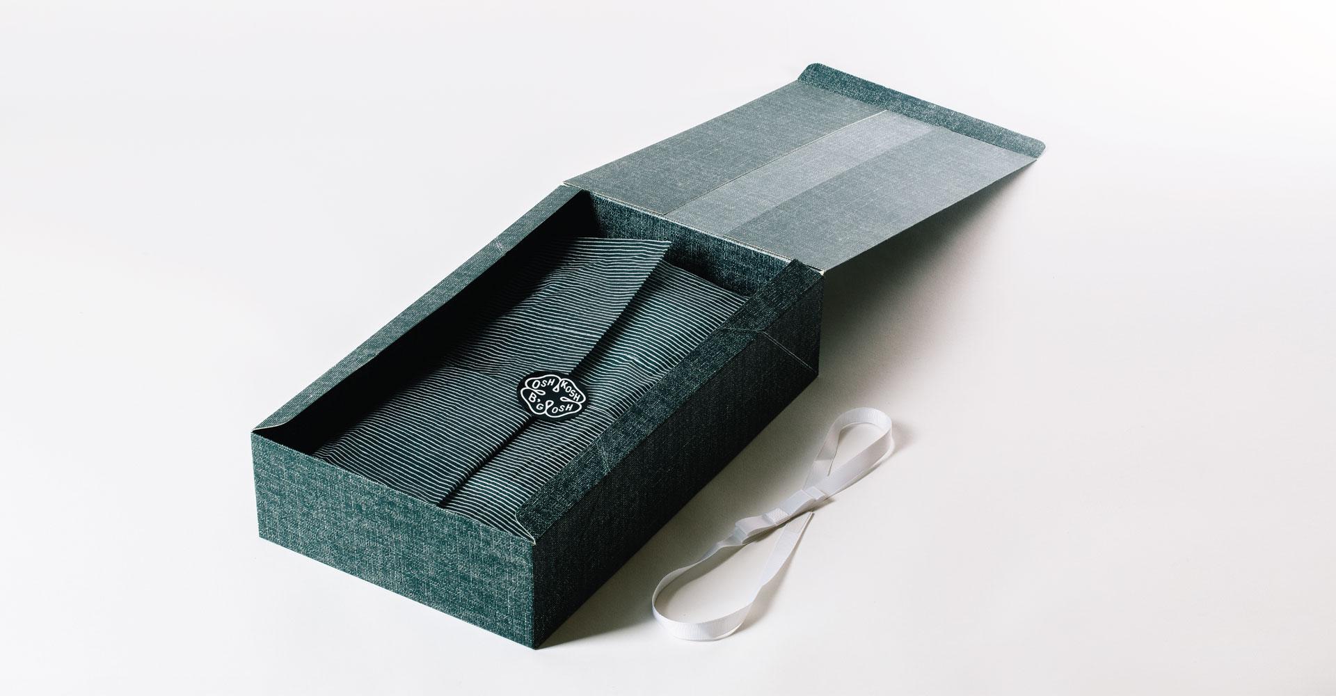 Creative_Retail_Packaging_Package_Design_OshKosh_Bgosh_04.jpg