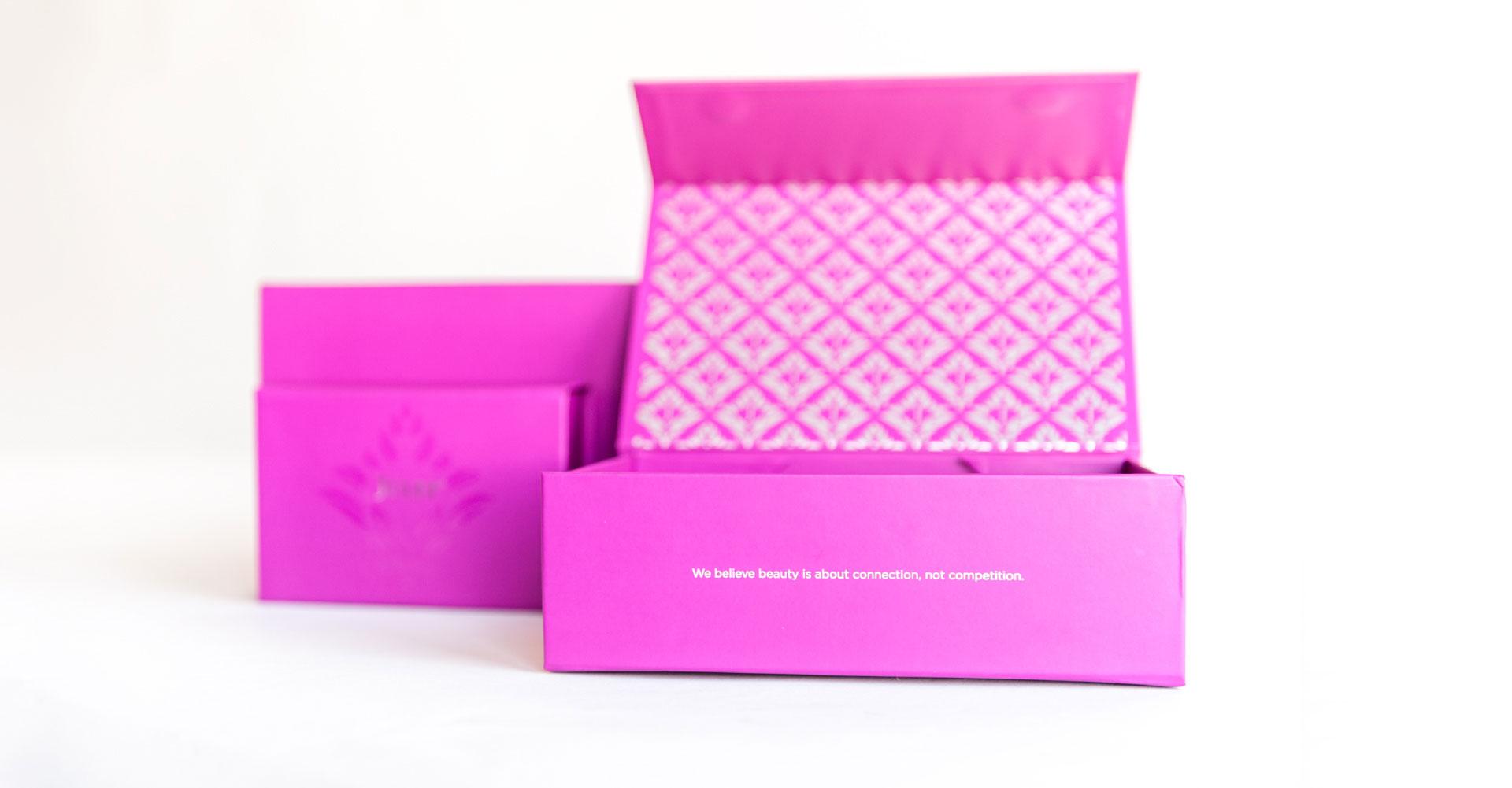 Creative_Retail_Packaging_Custom_Beauty_Packaging_Julep_03.jpg