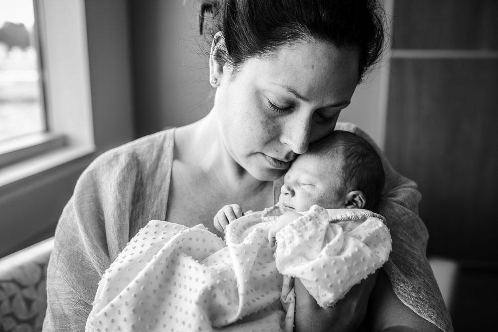 05-uf-north-cesarean-birth-photography-hospital-jacksonville.JPG