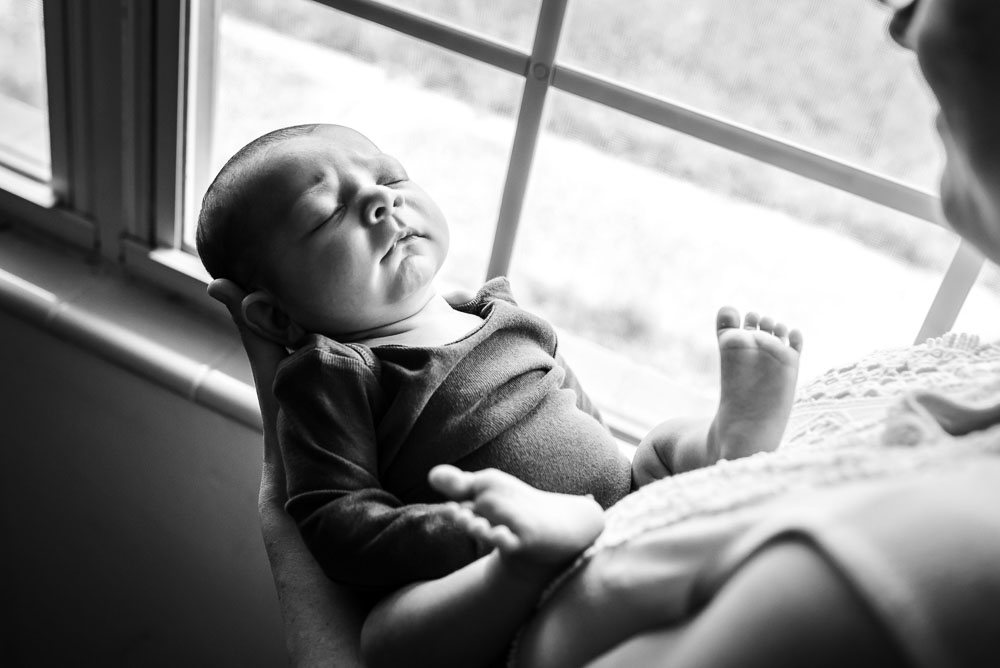 43-jacksonville-newborn-photographer-lifestyle-in-home-natural.JPG
