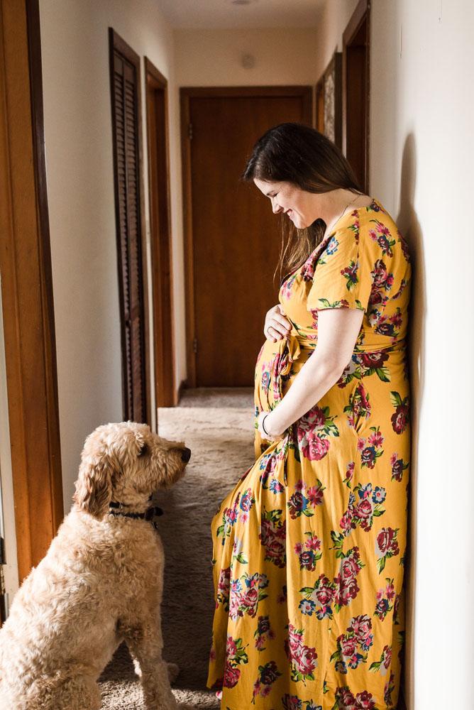 10-jacksonville-lifestyle-in-home-maternity-photographer-bedrest.JPG