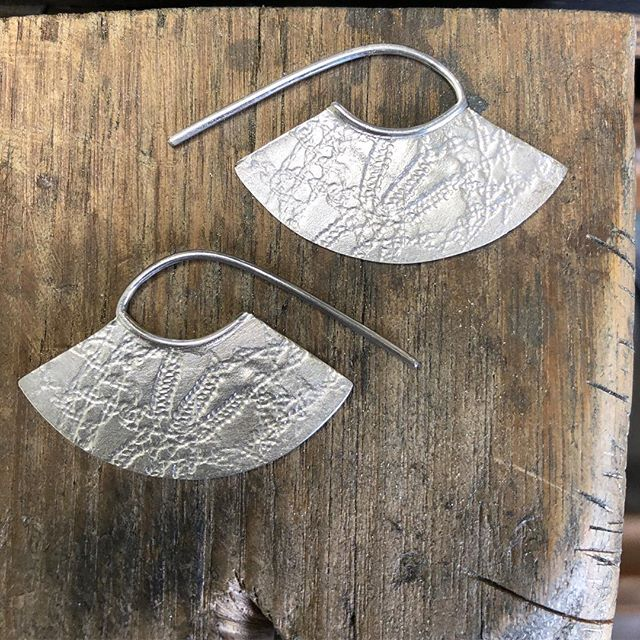 Just finished....two sided sterling silver roller printed earrings #rollerprinting #handmadejewelry #earrings #sterlingsilver @candcojewellery