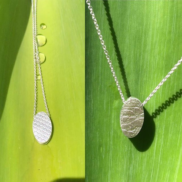 2 way oval pendant in fine and sterling silver. Gift for my son's teacher. #finesilver #rollerprinting #handmade #necklace #pendant @candcojewellery