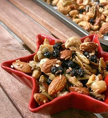 paleo-maple-nut-trail-mix-pin.jpg
