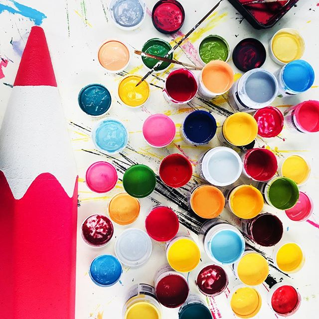 A beautiful mess! Work in progress on custom made installation #bts 👩🏼🎨 . . . . . #custommade #customdeisgn #workinprogress #colourpallette #handpainted #handmade #brisbanekids #visitbrisbane #brisbane #aminiconcepts #rainbowcolours #makingamess #colourful #eventinspiration #eventinspo #paintpots #paintmixing #artandcraft #artistatwork #visiondesigncreate #aminiconcepts #imagination