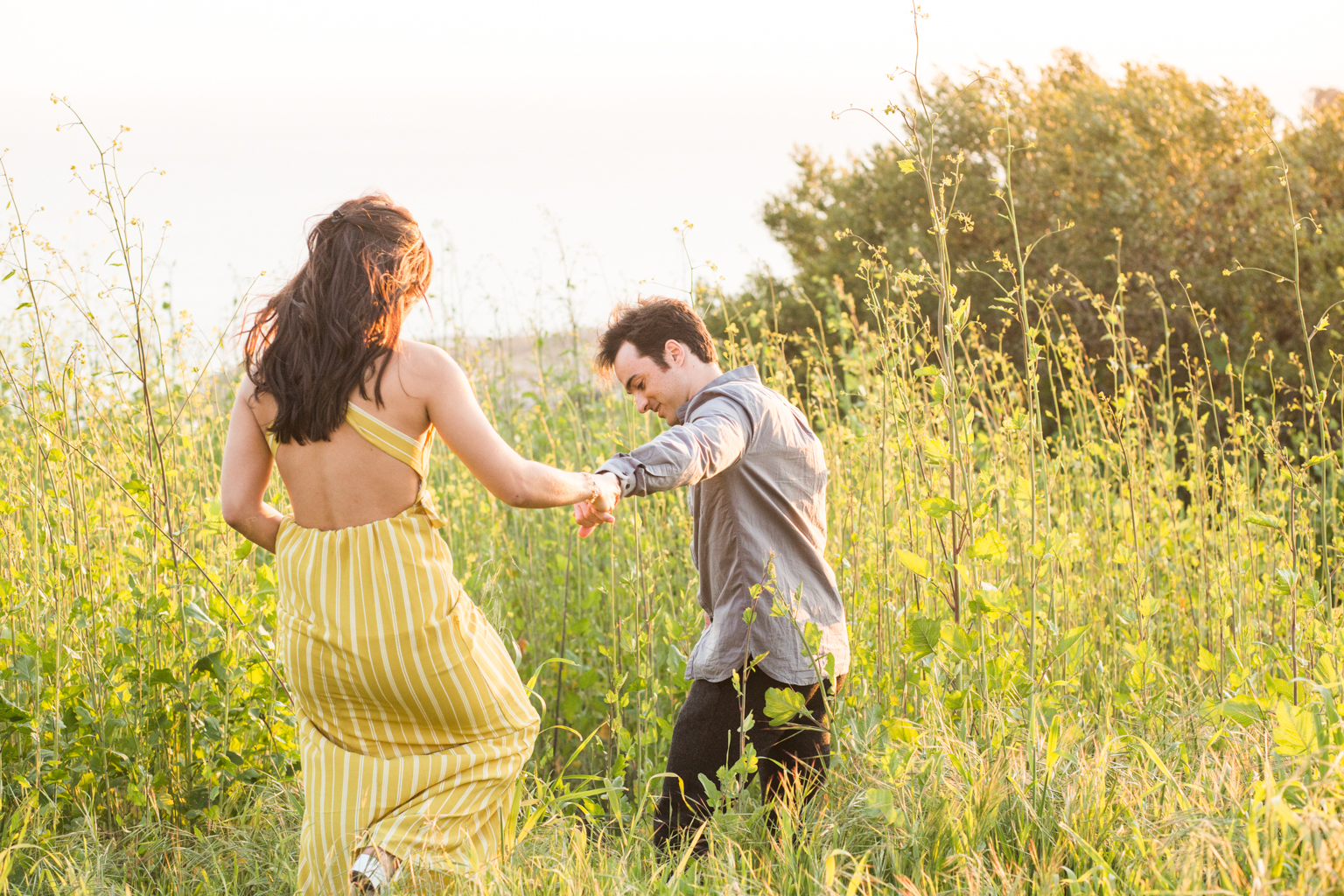 summer engagement photos outfits