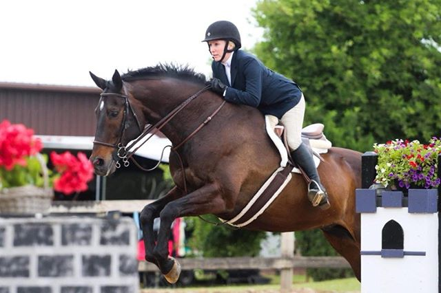 #fbf to last year's FANTABULOUS Derby with some FANTABULOUS People.  June 22, 2019 July 13, 2019 July 14, 2019 Sunday Funday Clinic  @FulkersonWinery @caremorenutrition @nutrenafeed @cheekyjax1  Photo cred 📸@canter.inthe.camera  Come Join us again this year. Check out the link in BIO for more information #thederbyatengleside
