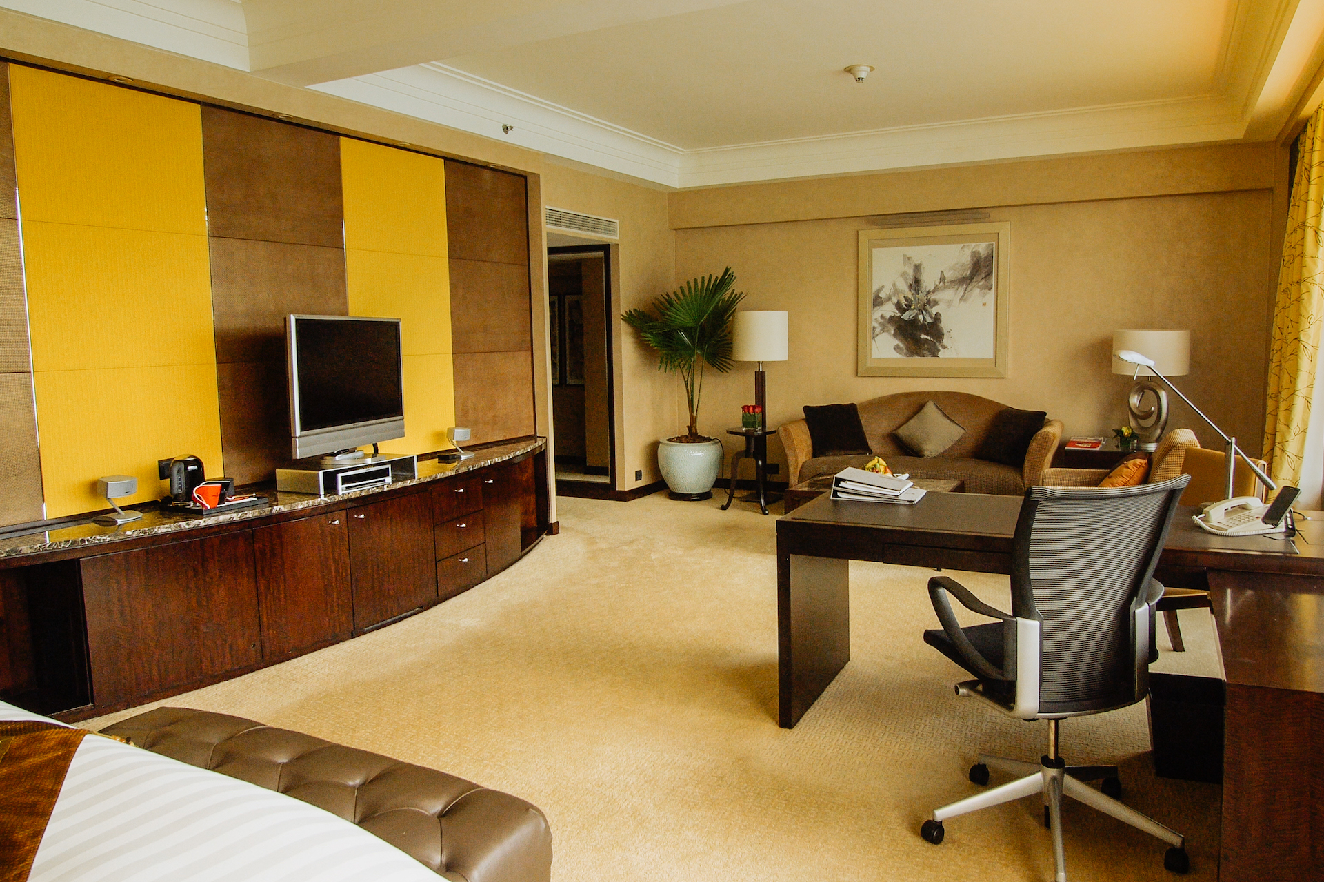 InterContinental Room Lounge Wide (Day)