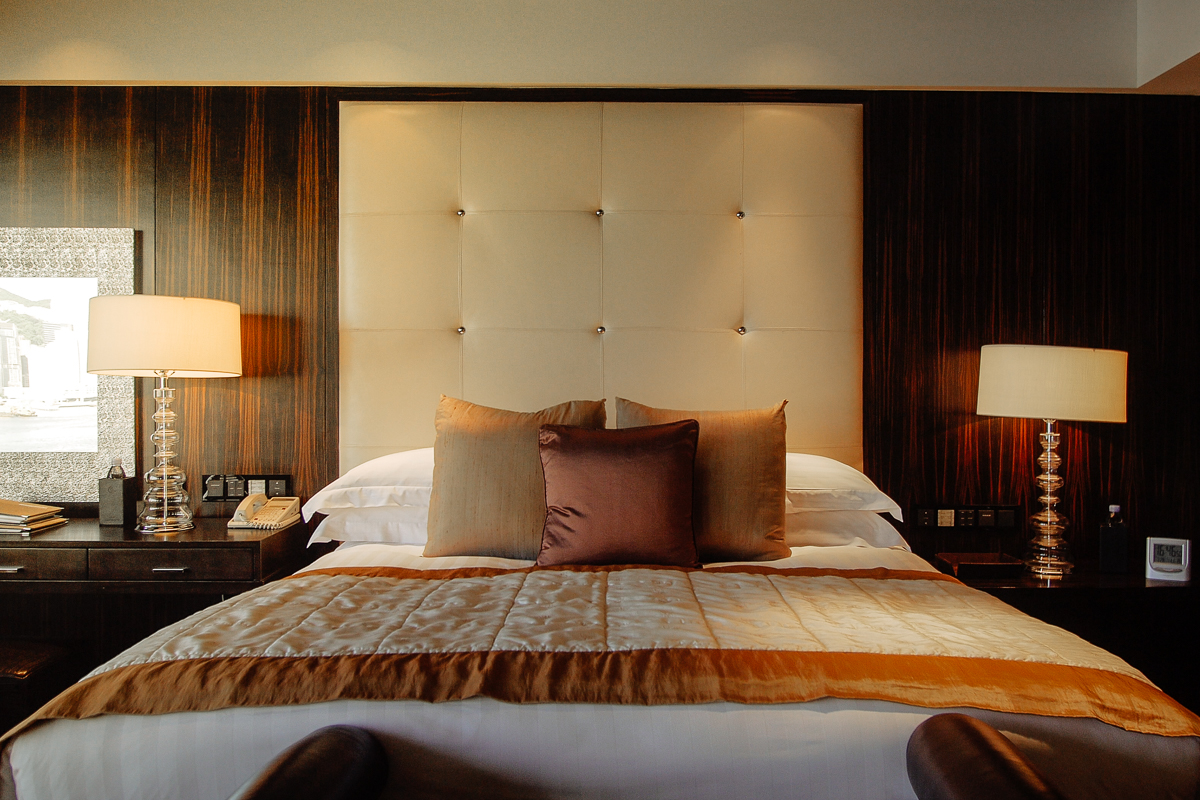 InterContinental Room Bed Setting