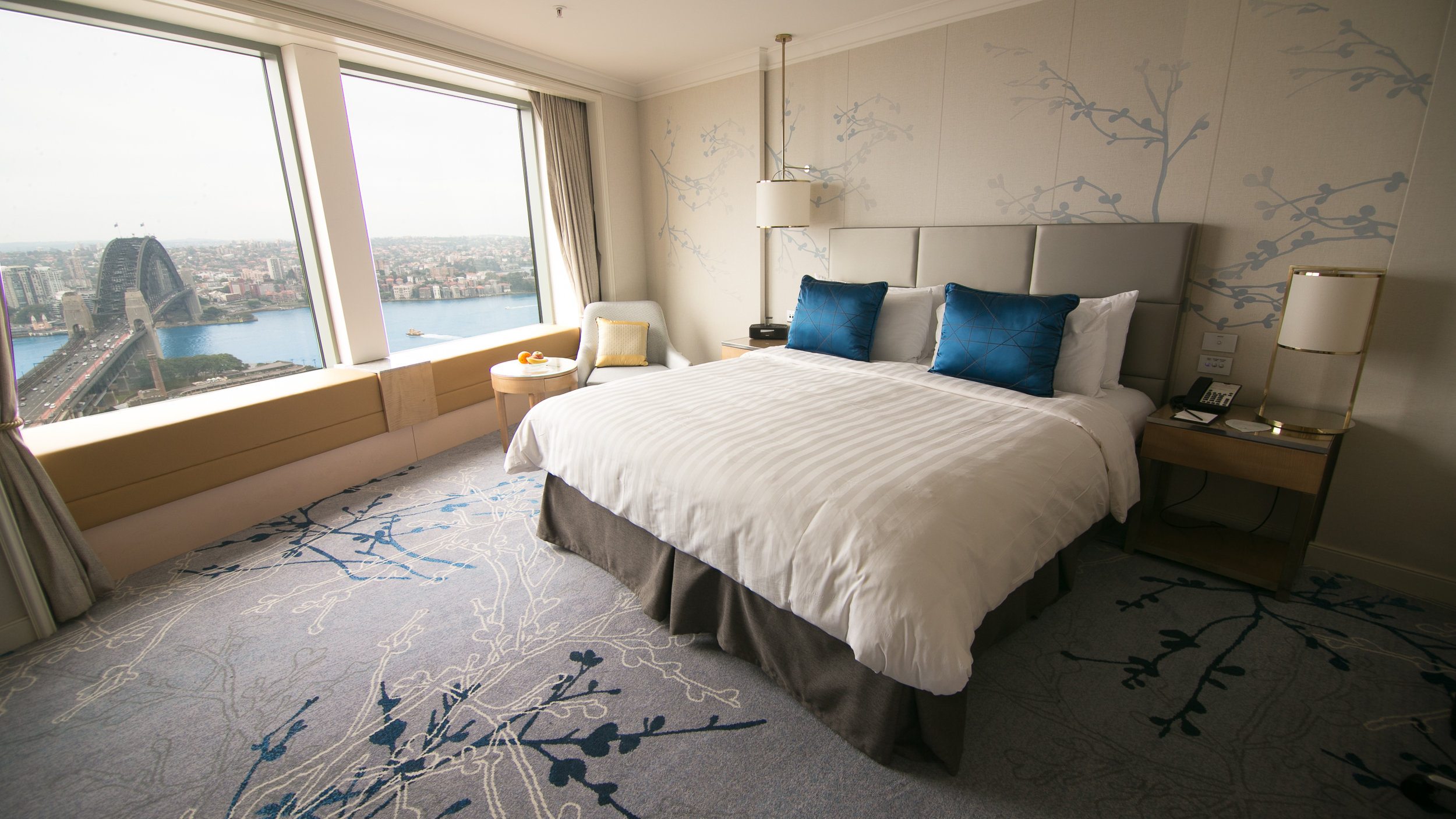 Shangri-La Sydney Room Bed