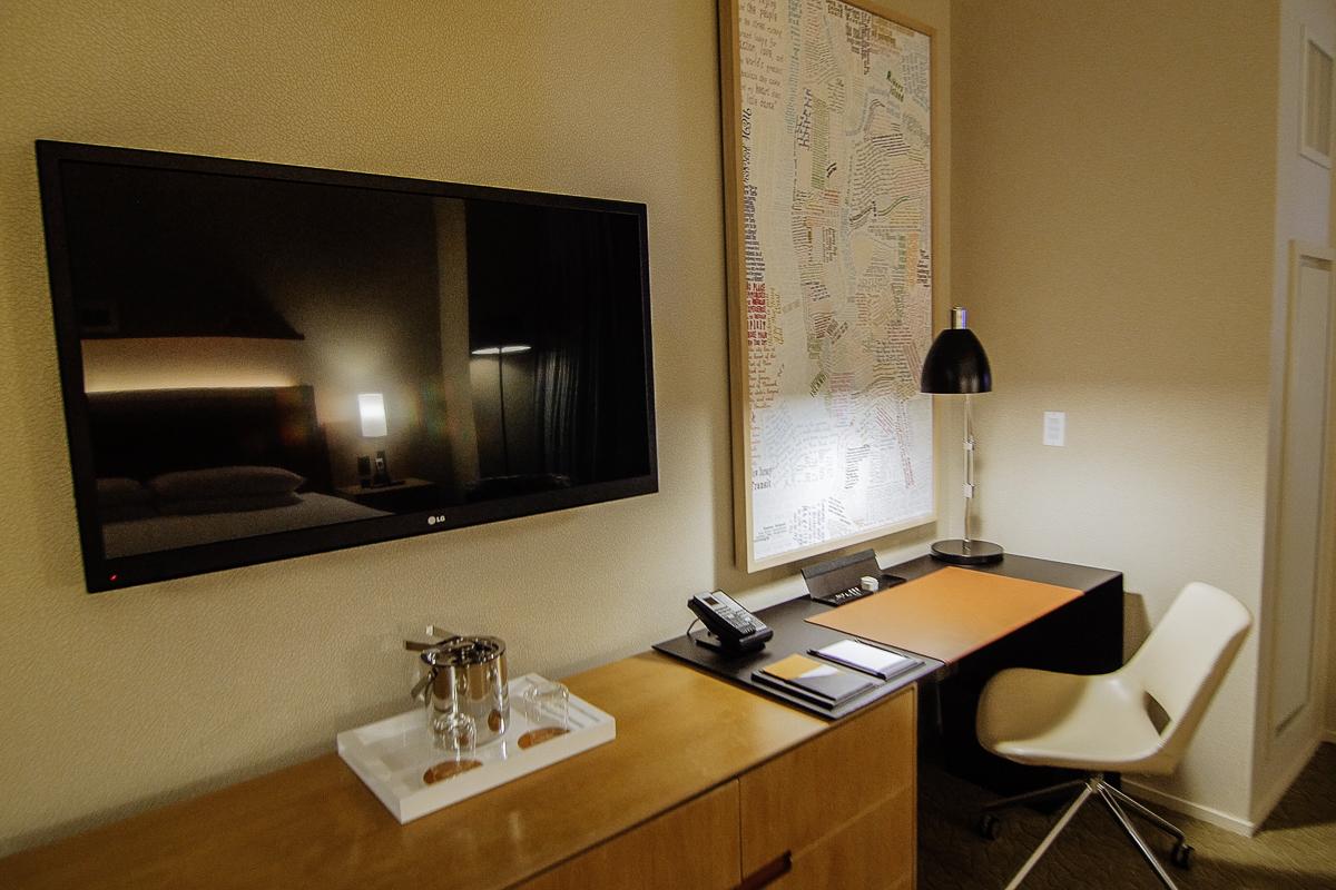 Hyatt Times Square Room Office (Night)
