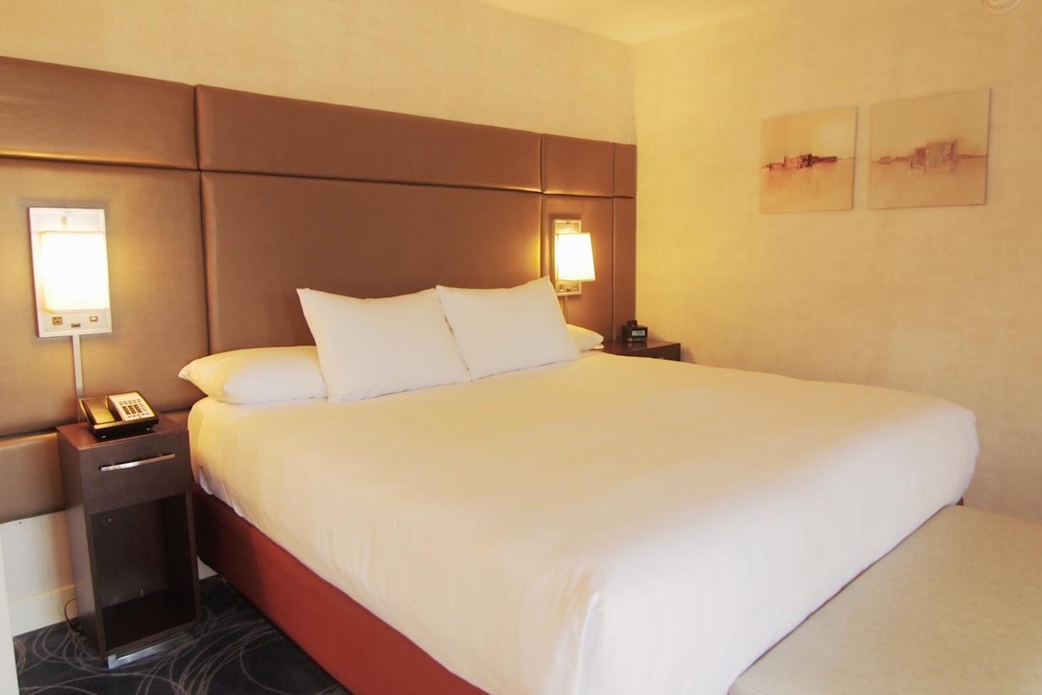Hyatt SF Bed
