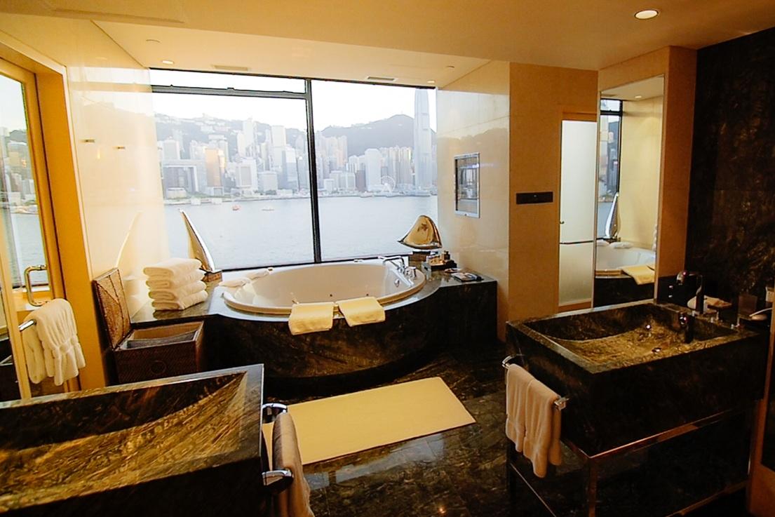 InterContinental+Presidential+Suite+Bathroom+%28Golden+Hour%29