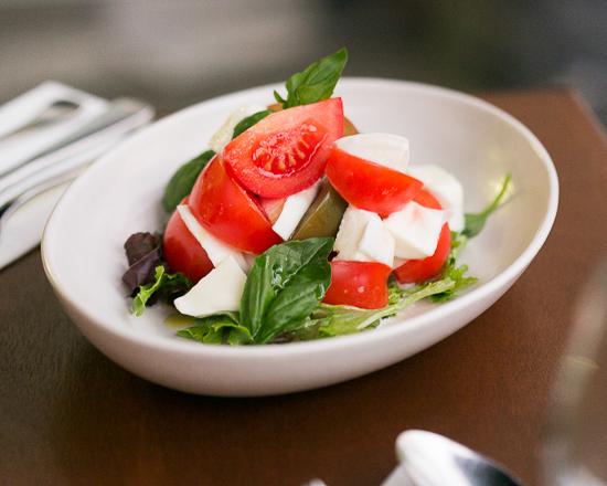 FratelliFresh_Vine Truss Tomatoes, Buffalo Mozzarella & Basil_550x440.jpg